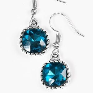 Jewelry - 💎 Gem hunt blue earrings